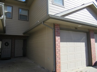 Derby Condo/Townhouse For Sale: 2124 N Woodlawn