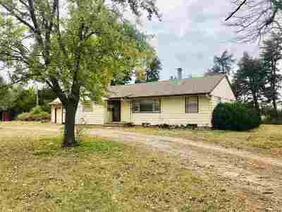 Moundridge Single Family Home For Sale: 10123 N Burmac Rd