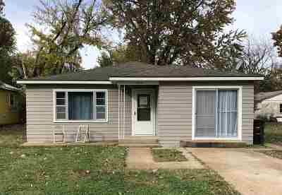 Arkansas City Single Family Home For Sale: 1523 N 2nd St