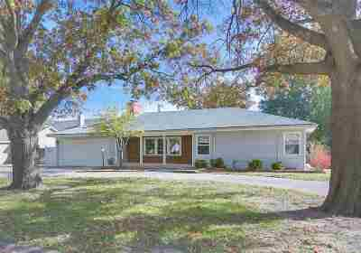 Eastborough Single Family Home For Sale: 14 S Drury Ln