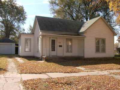 Harvey County Single Family Home For Sale: 321 SW 4th