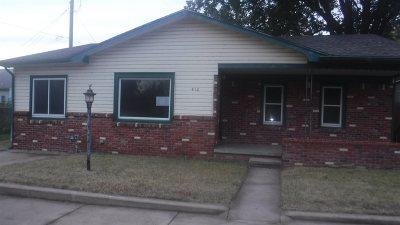 Mulvane Single Family Home For Sale: 412 E Blair St
