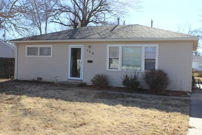 Derby Single Family Home For Sale: 129 E Edgemoor