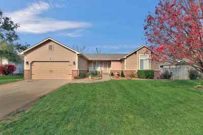 Valley Center Single Family Home For Sale: 4 E Miles Ct