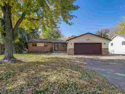 Derby Single Family Home For Sale: 1709 N Woodlawn Blvd
