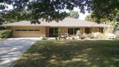 Wichita Single Family Home For Sale: 649 S Lakeshore Drive