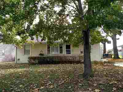 Hutchinson Single Family Home For Sale: 33 Sunflower Ave