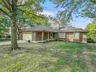 Wichita Single Family Home For Sale: 9134 Windwood St