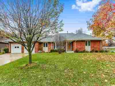 Wichita Single Family Home For Sale: 15000 E Castle Dr