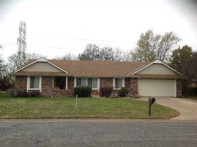 Wichita KS Single Family Home For Sale: $187,500