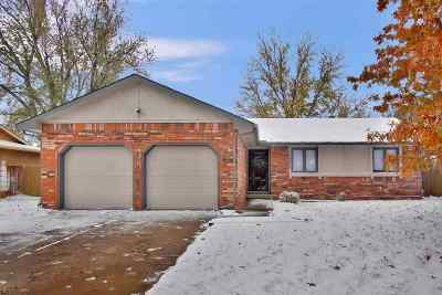 Wichita Single Family Home For Sale: 10015 W Carr St