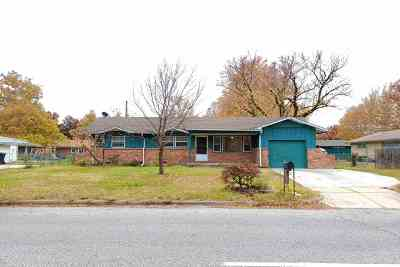 Wichita Single Family Home For Sale: 2131 W 25th St N