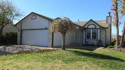 Wichita Single Family Home For Sale: 2411 S Laurel