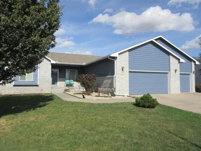 Hesston Single Family Home For Sale: 714 South Meadows Dr