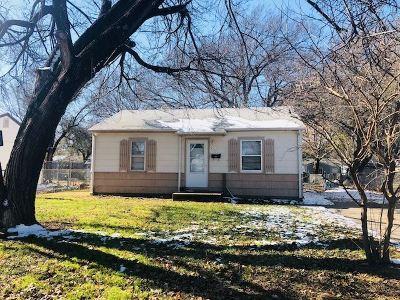 Wichita Single Family Home For Sale: 543 N Mount Carmel St