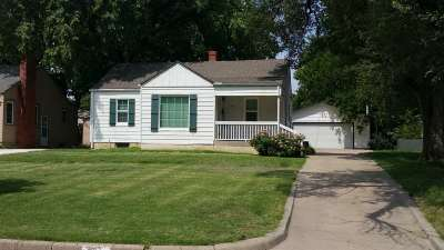 Wichita Single Family Home For Sale: 241 S Bleckley Dr