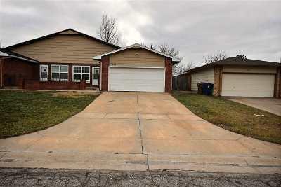 Wichita KS Single Family Home For Sale: $1,200