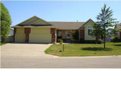 Wichita Single Family Home For Sale: 2415 Regency Lakes Ct.