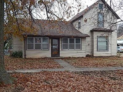 Moline KS Single Family Home For Sale: $27,000