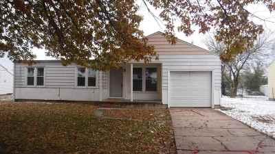 Towanda Single Family Home For Sale: 531 N 8th St