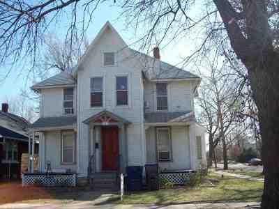 Newton Condo/Townhouse For Sale: 124 Allison