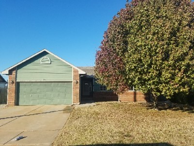 Haysville KS Single Family Home For Sale: $140,000