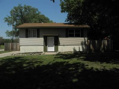 Wichita Single Family Home For Sale: 3525 S Leonine