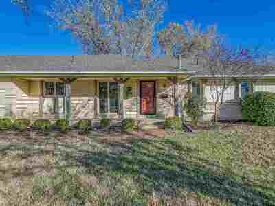 Wichita Single Family Home For Sale: 2122 N Edgemoor