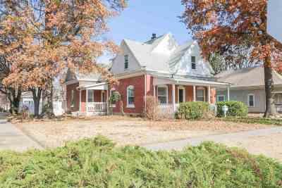 Mulvane Single Family Home For Sale: 504 E Mulvane