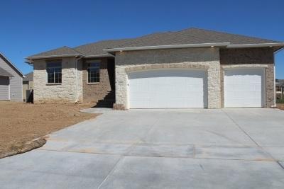 Wichita Single Family Home For Sale: 213 S Grand Mere Ct