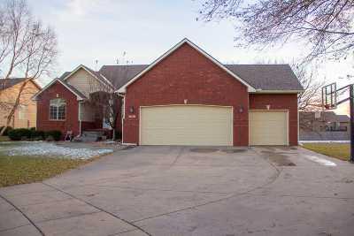 Wichita Single Family Home For Sale: 3635 N Ridge Port St