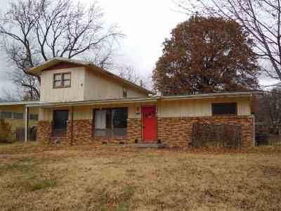 Derby KS Single Family Home For Sale: $64,000
