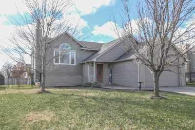 Mulvane Single Family Home For Sale: 203 E Creekstone St