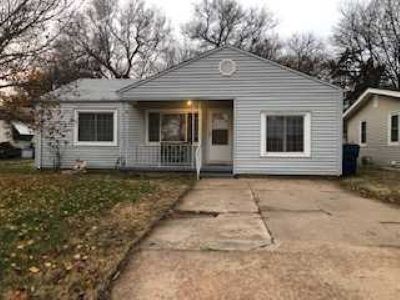 Derby Single Family Home For Sale: 129 S Kokomo Ave