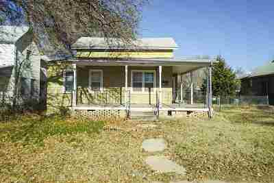 Newton Single Family Home For Sale: 210 W 1st St
