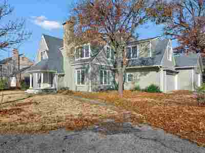Eastborough Single Family Home For Sale: 6 S Colonial Ct