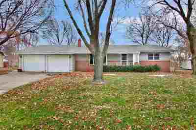 Hesston Single Family Home For Sale: 112 Meadow Ln