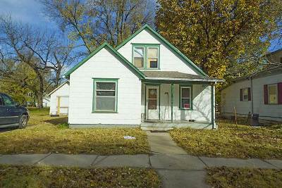 Newton Single Family Home For Sale: 504 W 6th St