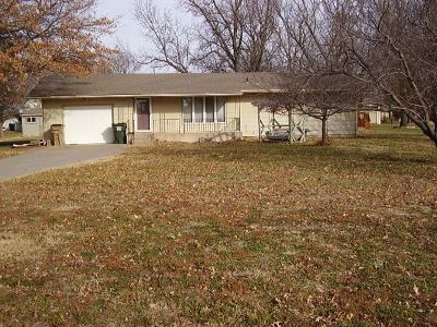 Hesston Single Family Home For Sale: 430 S Streeter Ave.