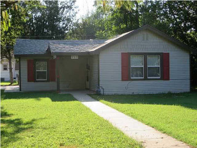 Wichita Single Family Home For Sale: 717 S Erie St