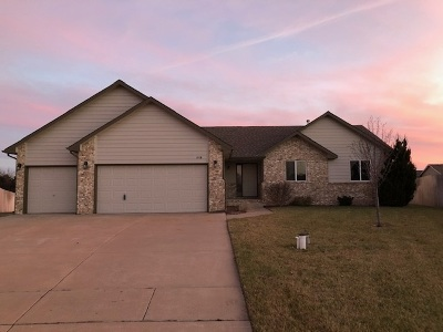 Wichita Single Family Home For Sale: 1818 N Nickelton Ct