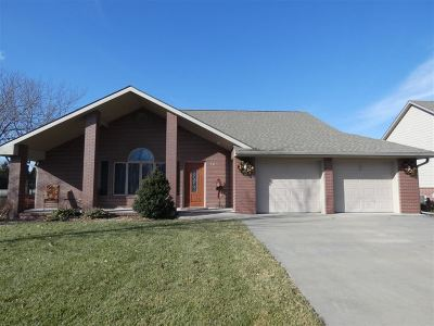 Hesston Single Family Home For Sale: 101 Kingsway