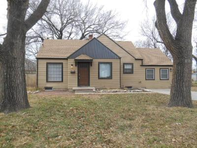 Wichita Single Family Home For Sale: 149 S Illinois St