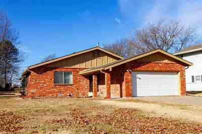 El Dorado KS Single Family Home For Sale: $109,000