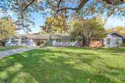 Wichita Single Family Home For Sale: 548 N Brookfield Rd