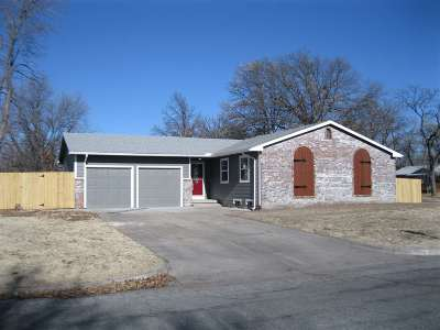 Wichita Single Family Home For Sale: 7104 W 11th