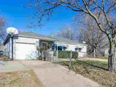 Wichita Single Family Home For Sale: 1402 W Haskell St