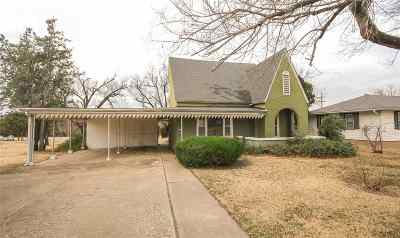 Wellington Single Family Home For Sale: 1120 N Jefferson Ave.