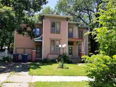 Newton Single Family Home For Sale: 303 E 3rd St