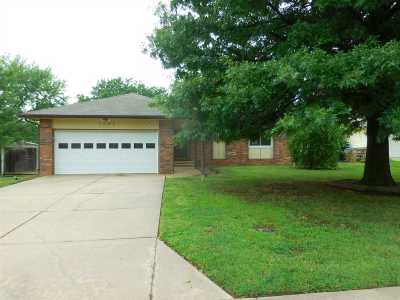 Derby Single Family Home For Sale: 1125 S Meadowhaven Lane